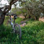 自転車のパンク修理は虫ゴムが使える?修繕の際のゴムの使い方を解説
